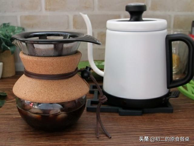 手冲咖啡,拿铁、黑糖盖奶、柠檬柳橙特调,家庭简易冲泡要点